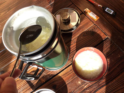 アルポットで作った雑炊をおわんに