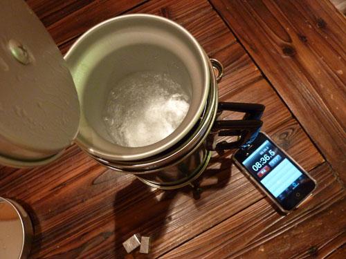 アルポットの水が沸騰状態