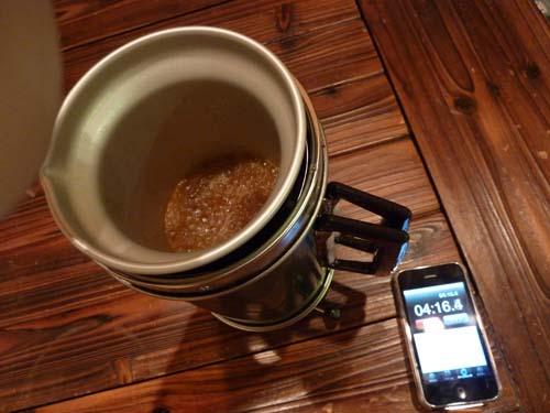 アルポットの麻婆ソースが煮立つ